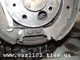 Тормозной щит с колодками ВАЗ